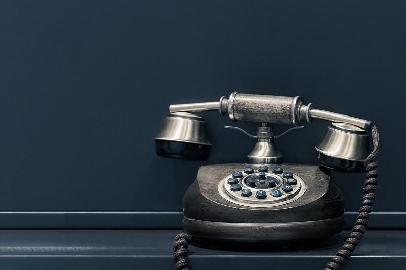 client-paie-pas- facture-téléphone